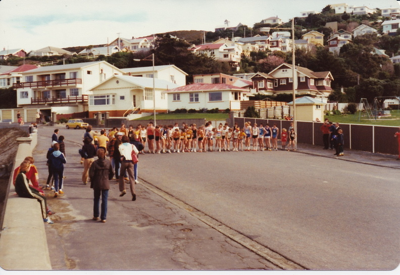 1979BaysRelay_StartOfJuniorBoysRelay.jpg